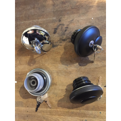 Gas cap set with lock